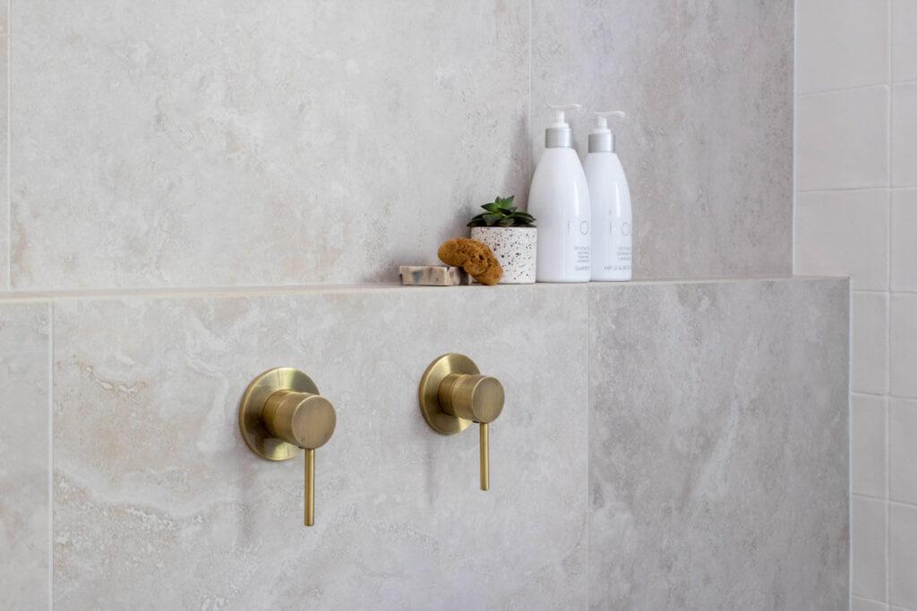 Scullin - Main Bathroom WC